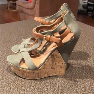 NWOB JustFab linen strappy wedges